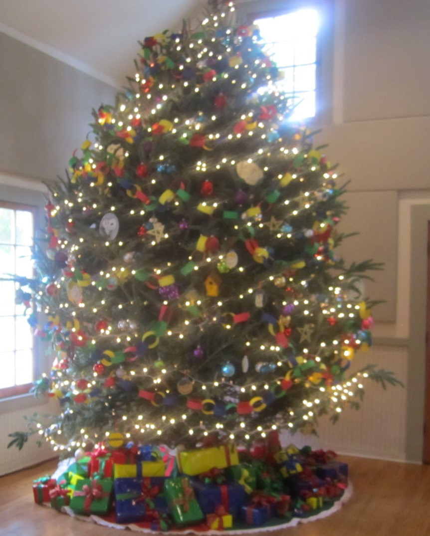 Christmas Tree In Garden: Holiday Decorating At Windermere Town Hall 2015